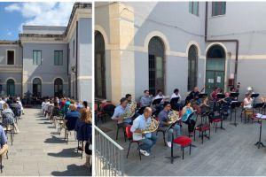 Catania, concerto omaggio di coro e orchestra del 'Bellini' per gli operatori sanitari: all'Arnas Garibaldi