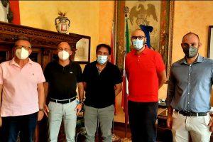 Biancavilla, Asp annuncia task-force vaccinale per alcuni quartieri: sindaco incontra i vertici
