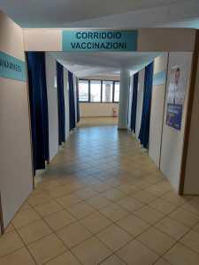 """Bronte, inaugurato l'hub vaccinale. Firrarello: """"Aiuterà i cittadini del territorio a proteggersi"""""""