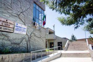 """Adrano, il caso del Liceo Verga: giovedì sit-in dei sindacati davanti all'Ufficio regionale scolastico. """"Sostituire dirigente o trasferire i professori"""""""