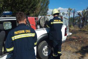 Incendi, in Sicilia squadre della Protezione Civile da tutta Italia: stamattina vertice a Catania