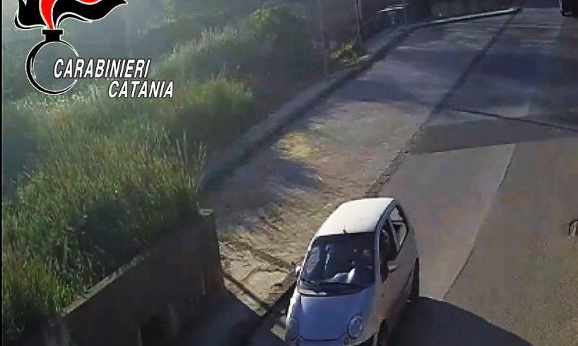Caltagirone, scipparono donna di 75 anni nel centro cittadino: due giovani arrestati