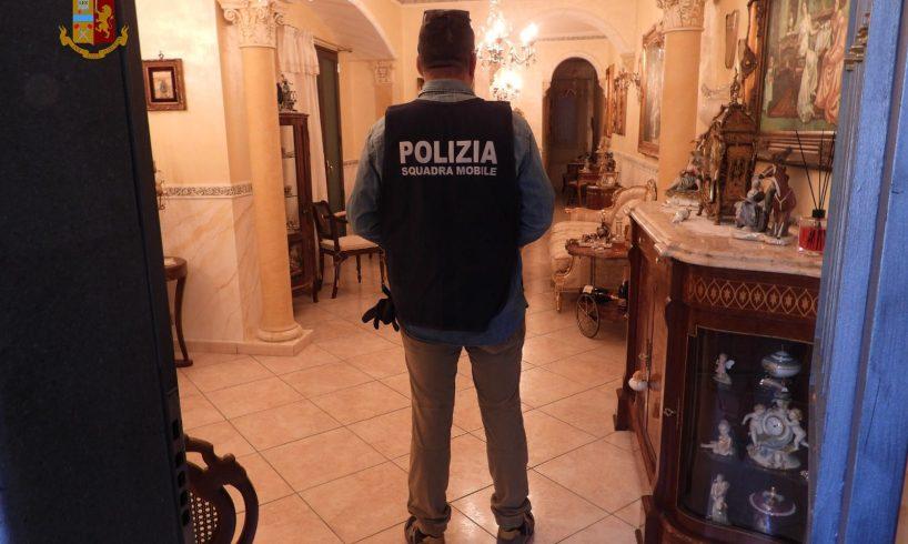 Catania, confiscati i beni di 'Turi Amato' della 'famiglia' Santapaola: immobili e perfino una carrozza