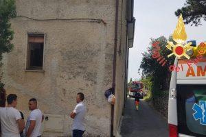 Cosenza, 4 persone uccise dalle esalazioni del mosto: cadute nella vasca durante la vendemmia