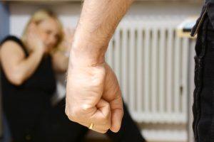 """Catania, 44enne arrestato per atti persecutori contro l'ex compagna: """"Ti faccio sparire dalla circolazione"""""""