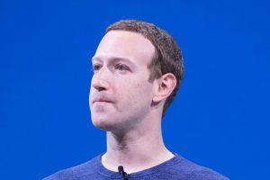 Zuckerberg chiede scusa per il blackout e difende Facebook dalla 'talpa'