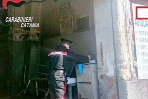 Catania, autolavaggio abusivo rubava acqua e luce: chiuso