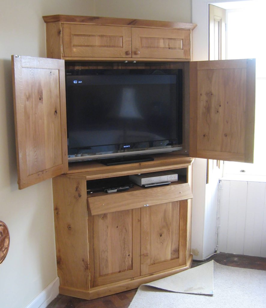 TV cabinet made in oak