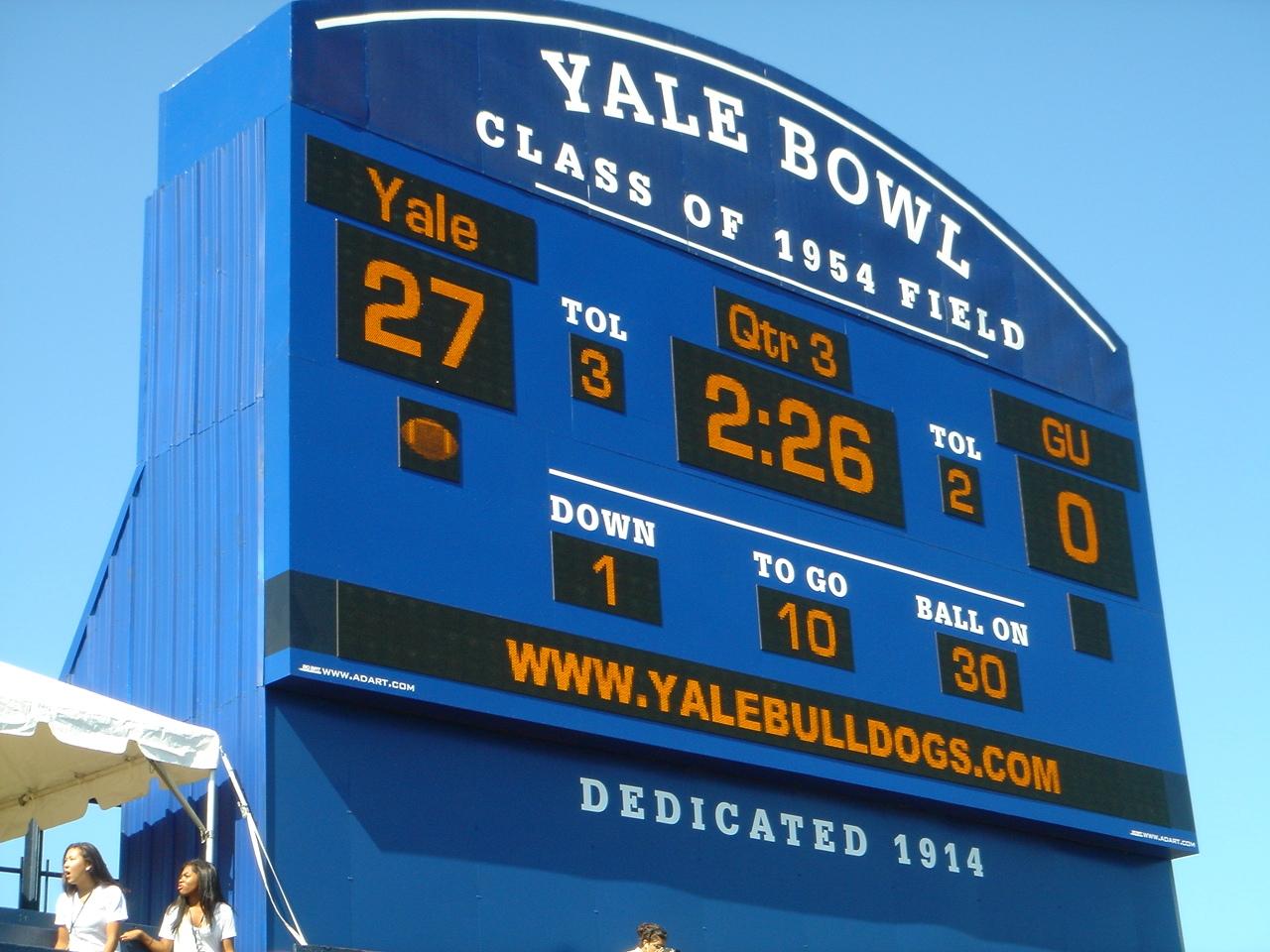 yale-football-stadium