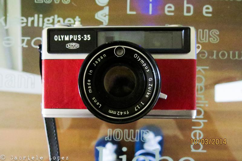 Olympus a telemetro, ottica fissa 45mm