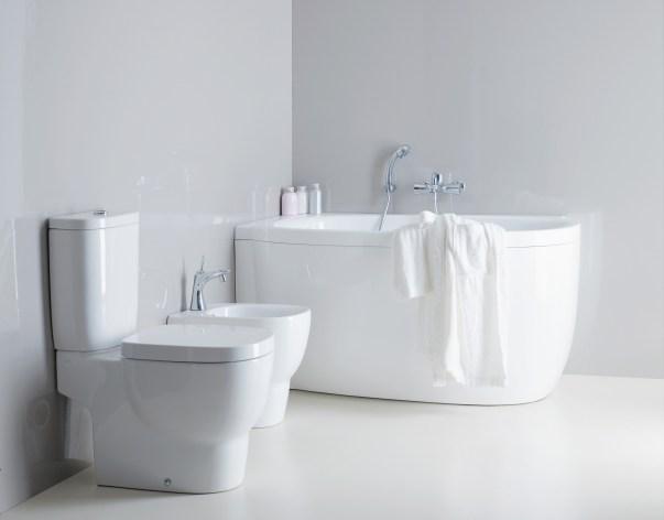 arredare bagno quadrato e piccolo vasca idromassaggio