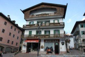 %name albergo montana cortina camere 22