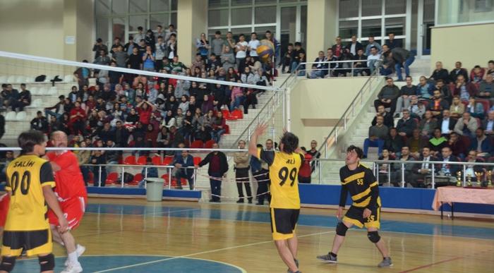 Kargı'da Voleybol Turnuvası Tamamlandı