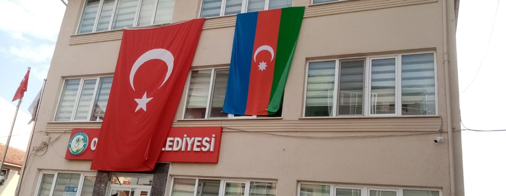 İsbir'den Kardeş Azerbaycan'a Destek