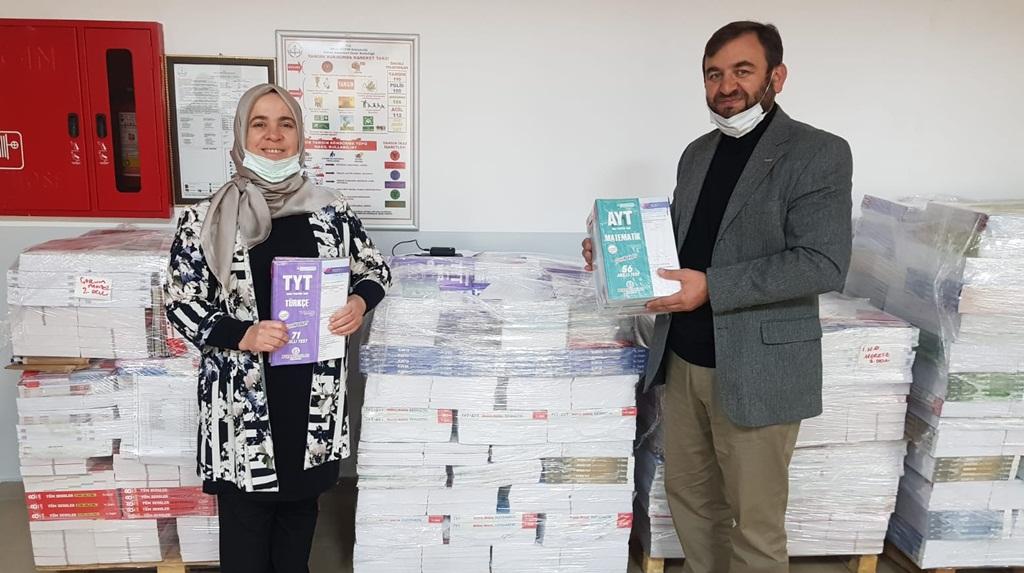 Deniz Feneri ve Önder'den Öğrencilere Test Kitabı