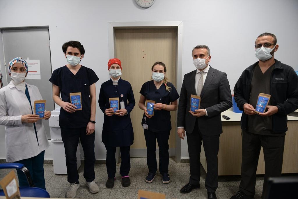 Belediyeden Sağlık Çalışanlarına 'Kış Çayı'