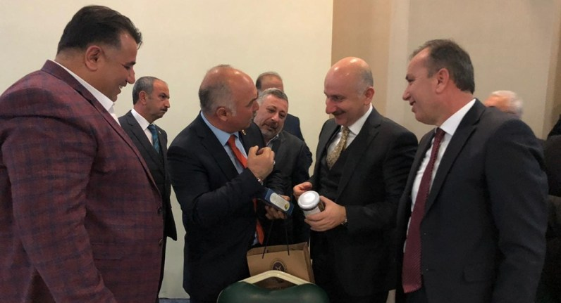 Başkan Aydın'dan, Bakana Dodurga Kaparisi ve Kolonyası