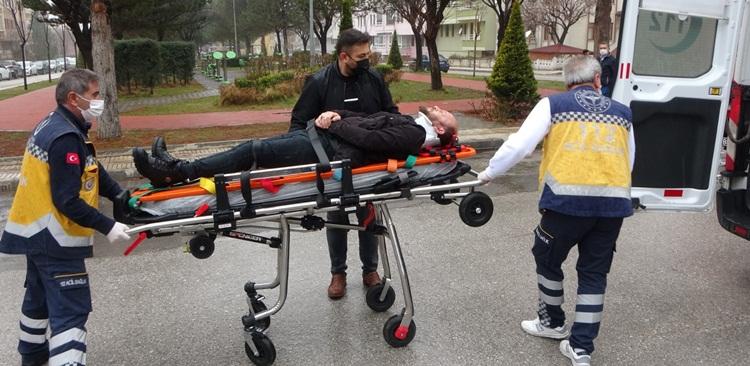 Sıkışan Sürücüyü İtfaiye Kurtardı