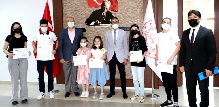 """""""Sağlıklı Nesil Sağlıklı Gelecek"""" Yarışması Ödül Töreni Yapıldı"""