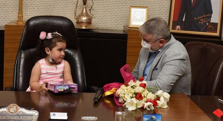 Belediye Başkanı minik Aymina oldu