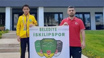İkinci kez Türkiye şampiyonu oldu