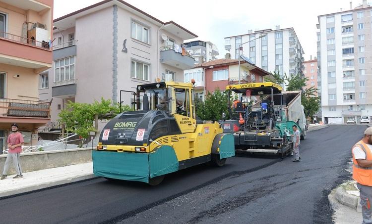 Zafer sokaklarda asfalt çalışması