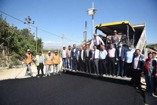 Belediye'den Mecitözü'ne asfalt