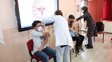 Lise öğrencilerine covid-19 aşısı yapıldı