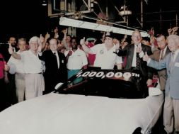 1992-One-Millionth-Corvette-244092