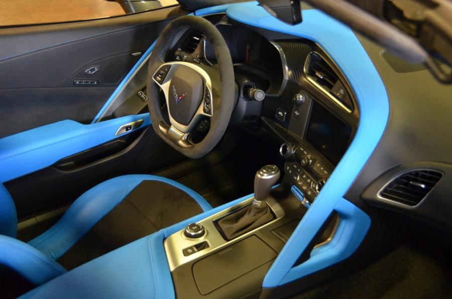2017-corvette-grand-sport-watkins-glen-gray-metallic-14