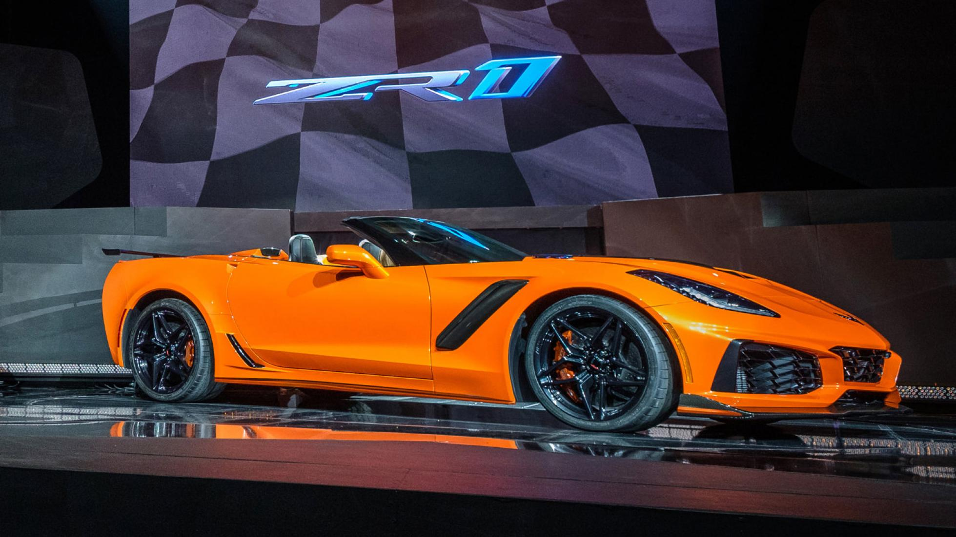 2019 corvette zr1 coupe and convertible officially unveiled at la auto show at 119 995. Black Bedroom Furniture Sets. Home Design Ideas