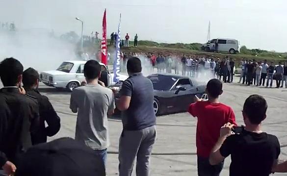 [VIDEO] Turkish Corvette Burnouts End with a Resounding FAIL