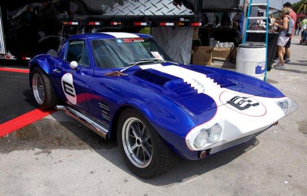 superformance_corvette_grand-sport_63_03.jpg