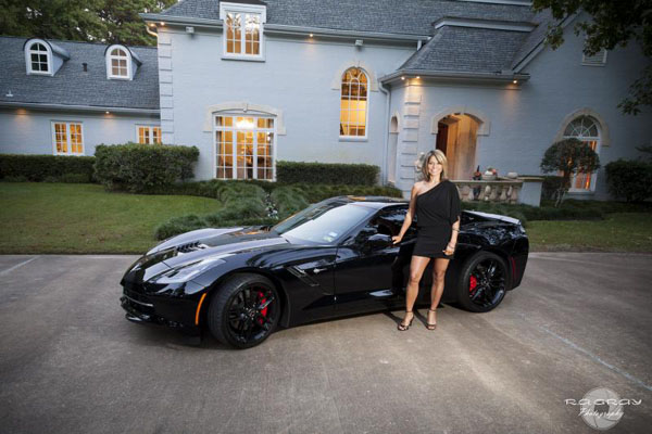 Ungrateful Girlfriend with C7 Corvette Stingray (2)