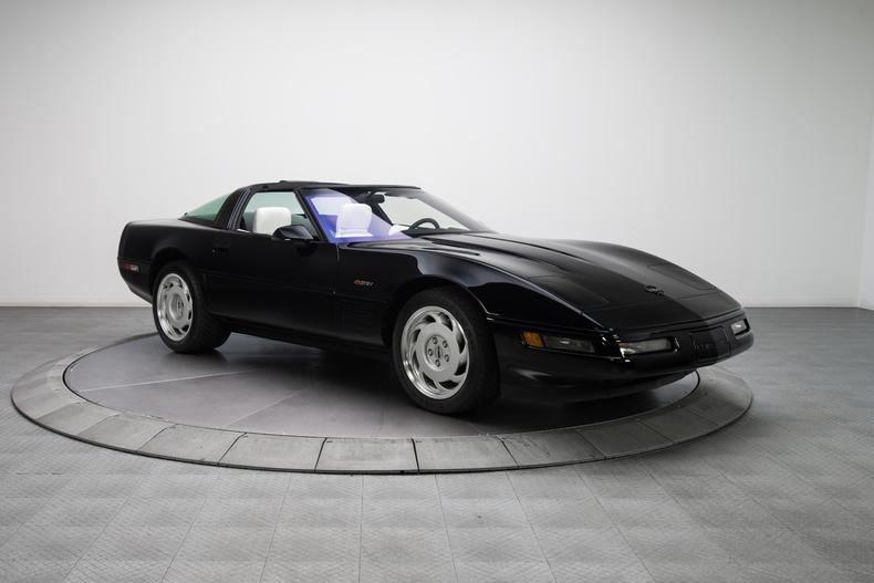 1992-Chevrolet-Corvette-ZR-1_306838_low_res