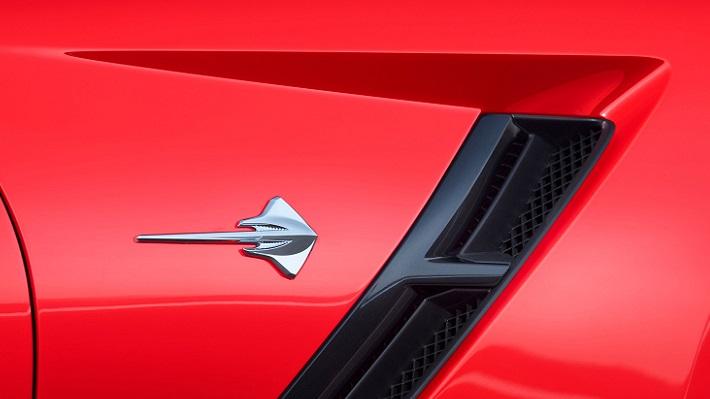 2014-chevrolet-corvette-stingray-in-red-stingray-badge