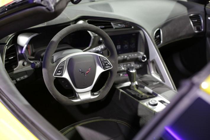 Corvette at LA Auto Show (17)