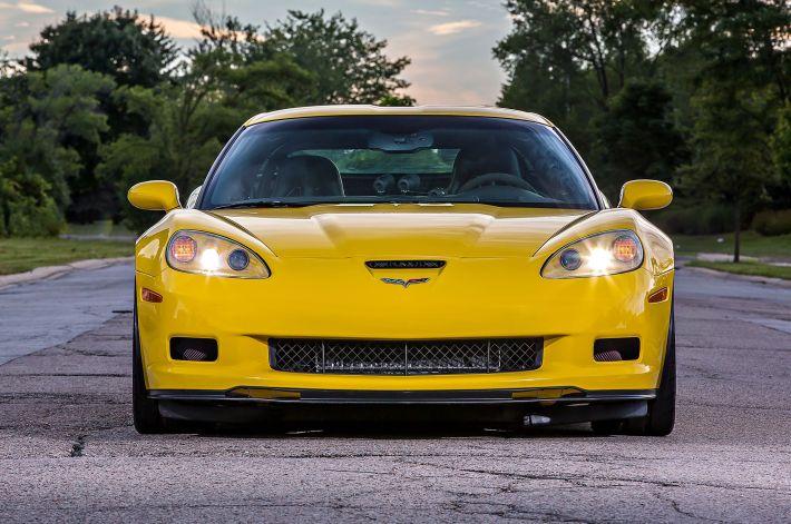 2007-chevy-corvette-front-view
