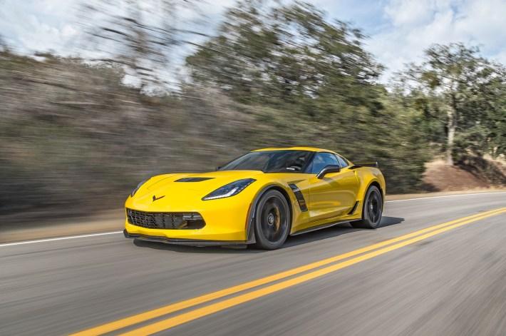 2015-Chevrolet-Corvette-Z06-Z07-Package-front-three-quarters-in-motion