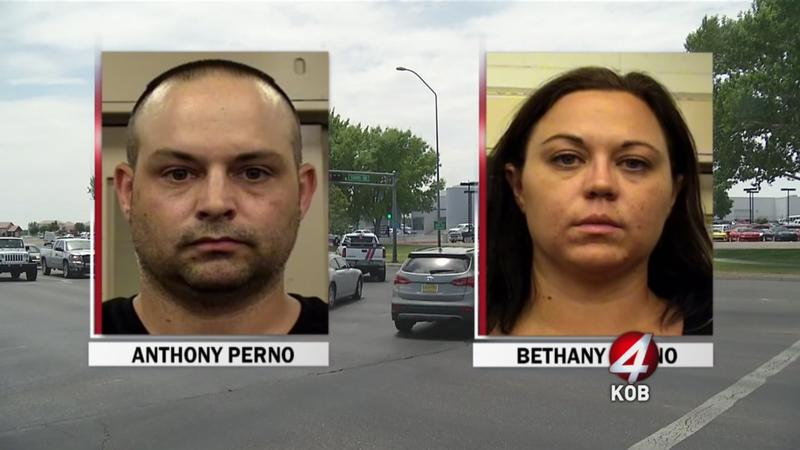 Couple_steals_Corvette_from_dealership_with_bad_check-syndImport-064933[1]