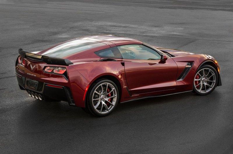 2016-Chevrolet-Corvette-Z06-Spice-Red-Design-package-rear-three-quarter