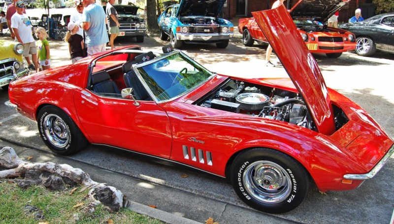 1969-red-corvette
