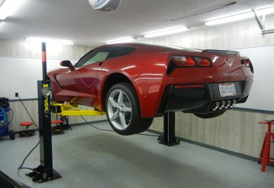 c7-corvette-on-lift-maintenance