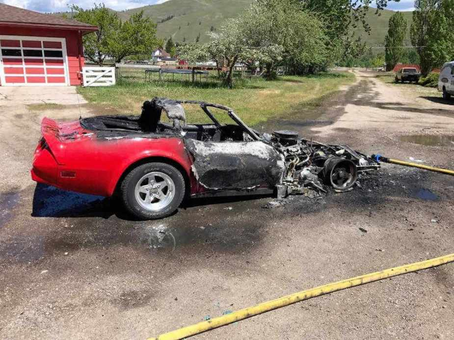 Chevrolet C3 Corvette Fire