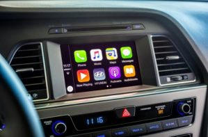 Alpine iLX-107 Head Unit Allows Wireless iPhone Connection to Apple CarPlay