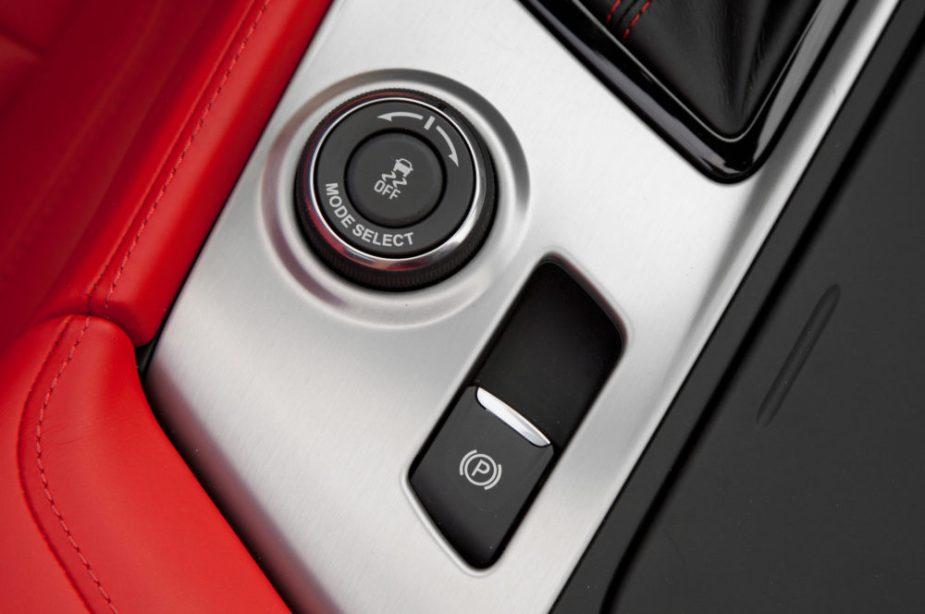 Chevrolet-Corvette-Z06-magnetic ride