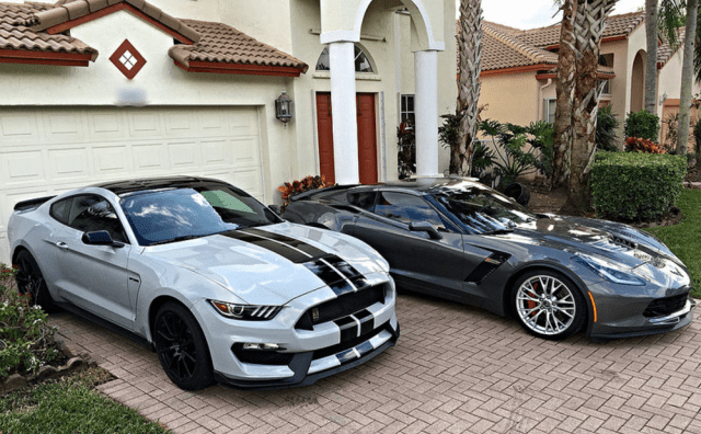 Corvette Grand Sport vs Mustang Shelby GT350
