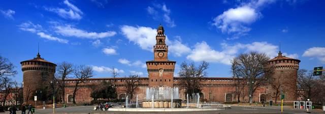 Castello Sforzesco Milano - Piazza