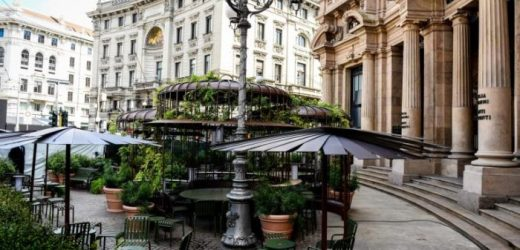 Starbucks: grande Festa in Piazza Cordusio