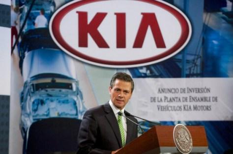 Enrique Peña Nieto en el anuncio de Kia